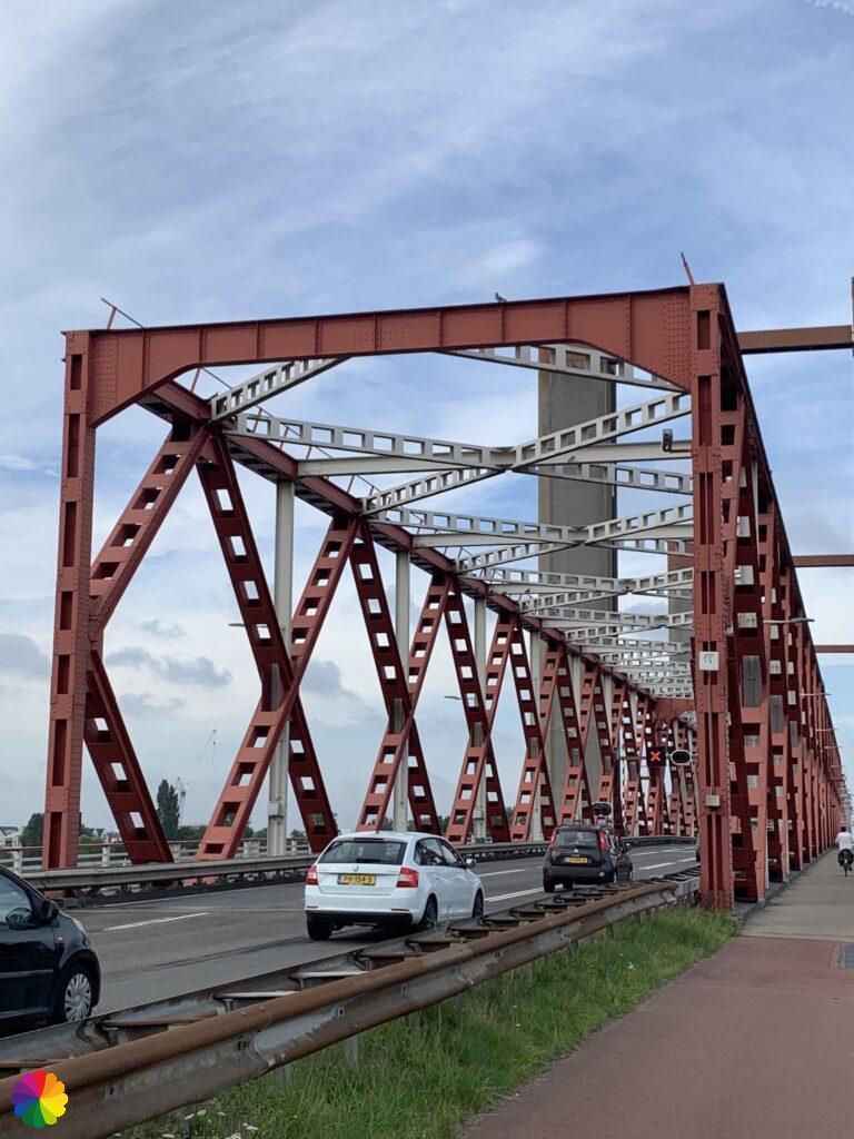 Spijkenisser bridge up close