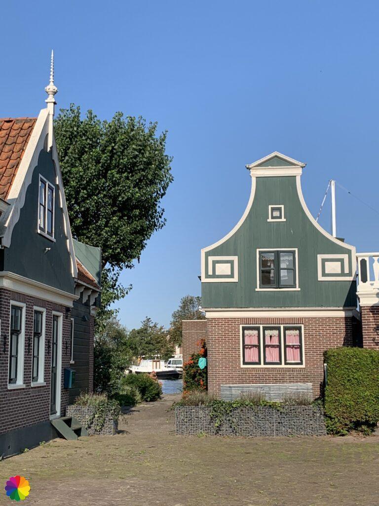 Facades in Oostknollendam