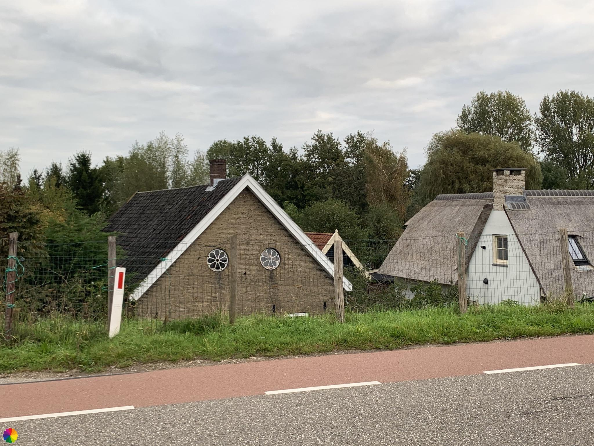 Dijkhuisje langs de Lek bij Krimpen aan de Lek