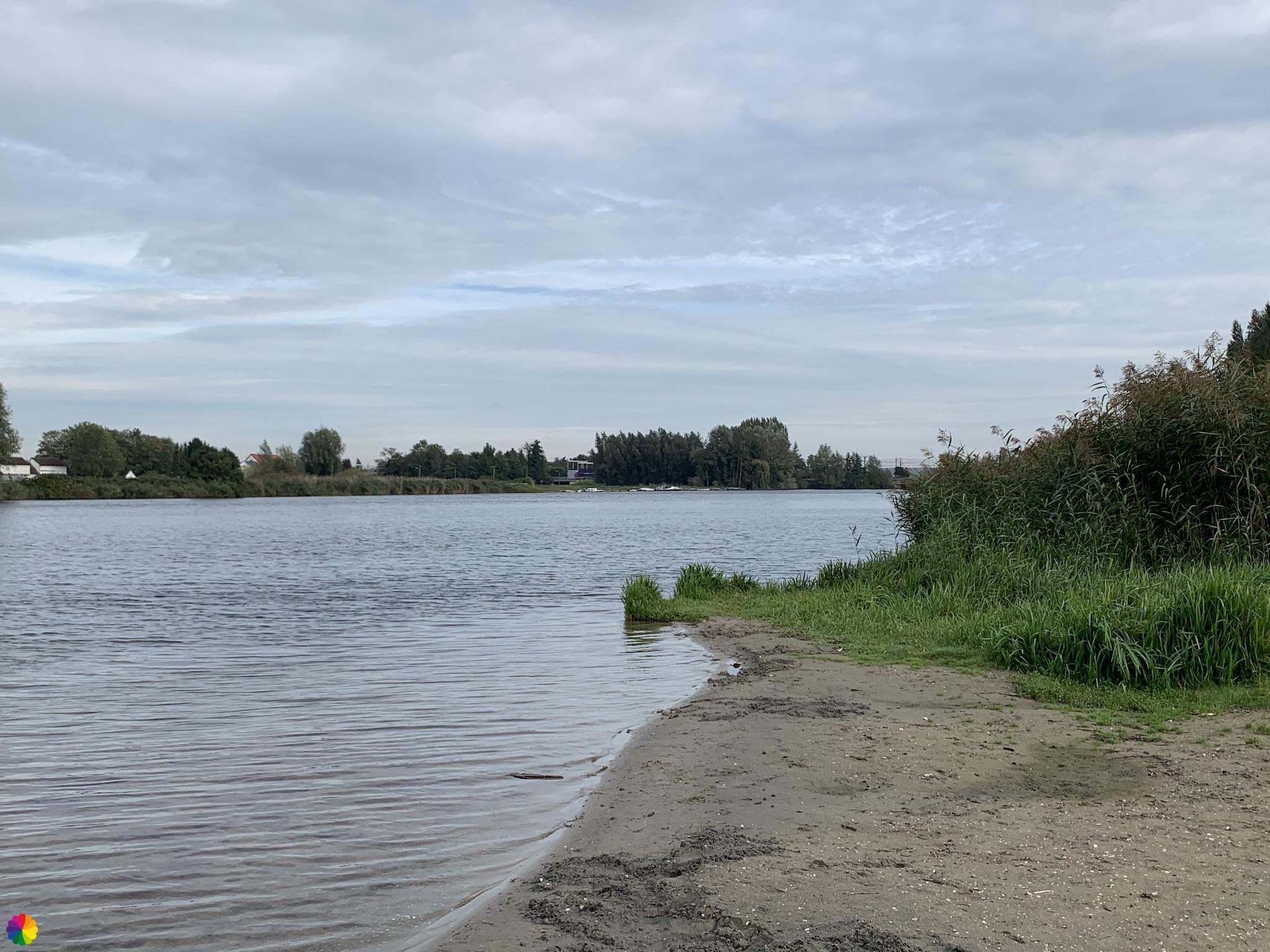 Strandje aan de Waal bij Heerjansdam