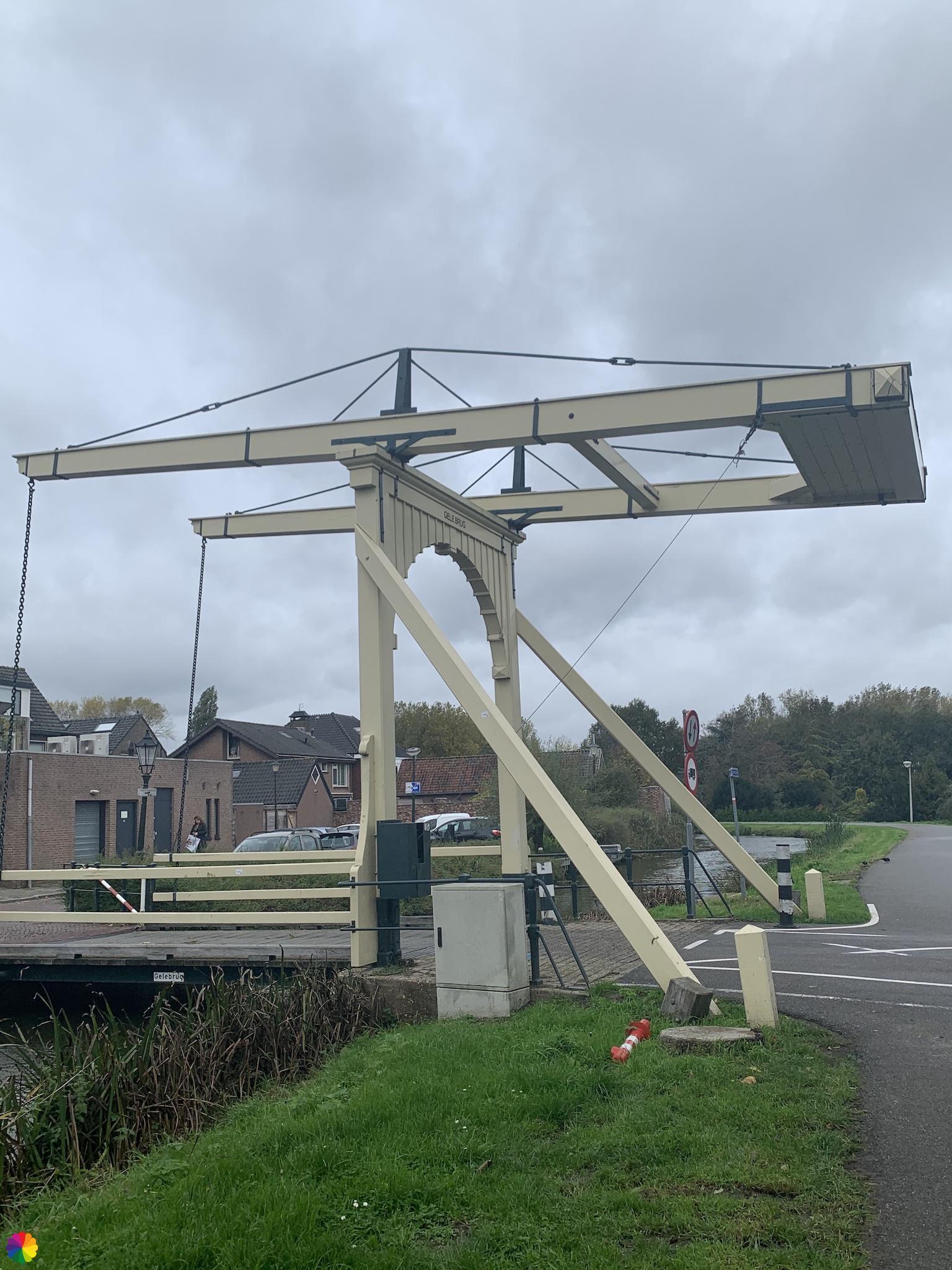 Gele brug in Nieuwerkerk aan den IJssel