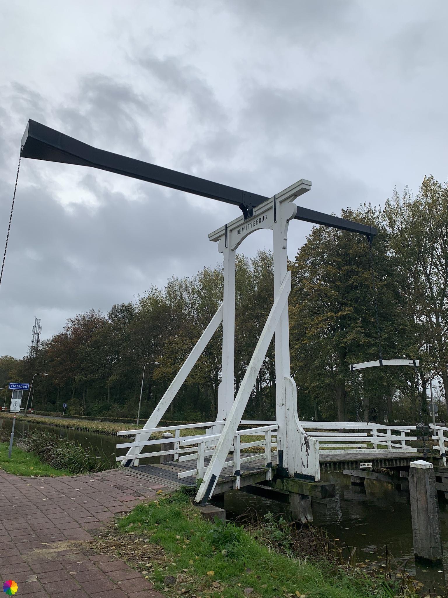Witte brug in Nieuwerkerk aan den IJssel